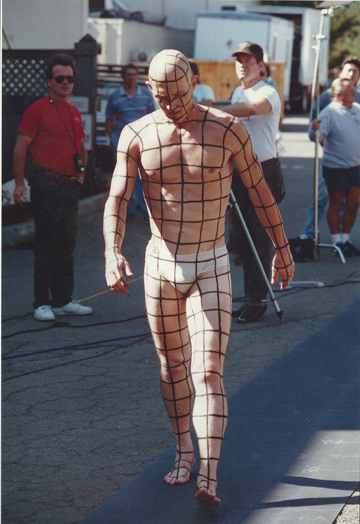 Robert Patrick with the grid painted on him.