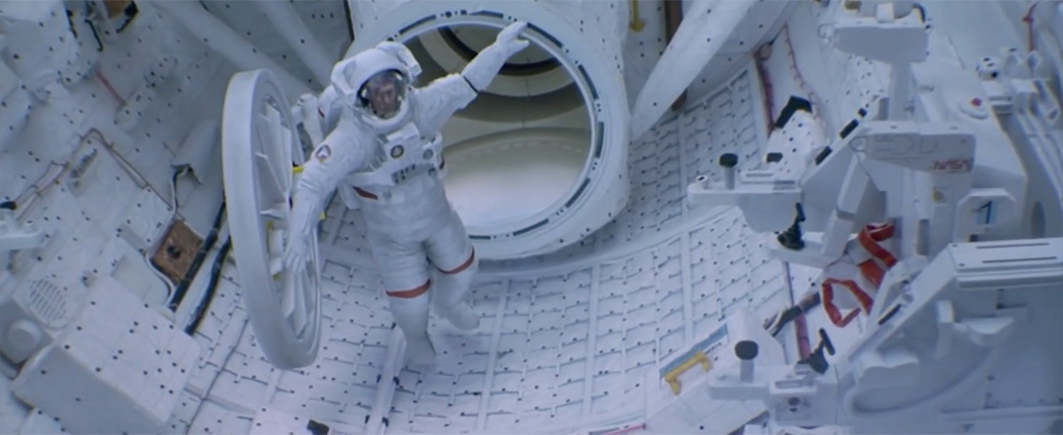 An admission: I totally forgot about the great CG spacesuits in 'Space Cowboys'