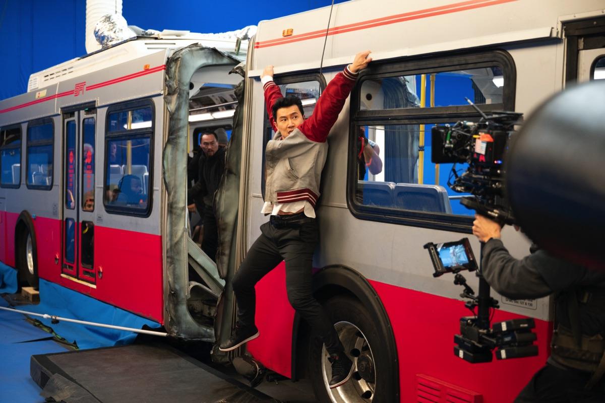 Here's what went into the visual effects of 'Shang-Chi's' crazy bus sequence: Part 1