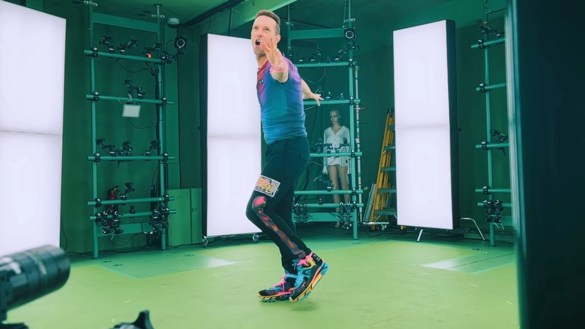 Behind the scenes of the volumetric capture in the Coldplay X BTS – My Universe video